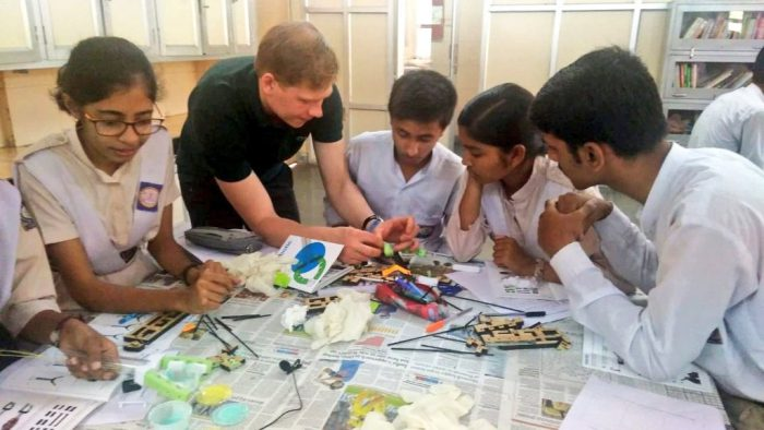 Students of RPVV Sector 10, Dwarka being trained in Robotics by researchers from Harvard | Picture Credit : Delhi Government School Pictures, 2019 (Twitter : @DelhiGovtSchool)