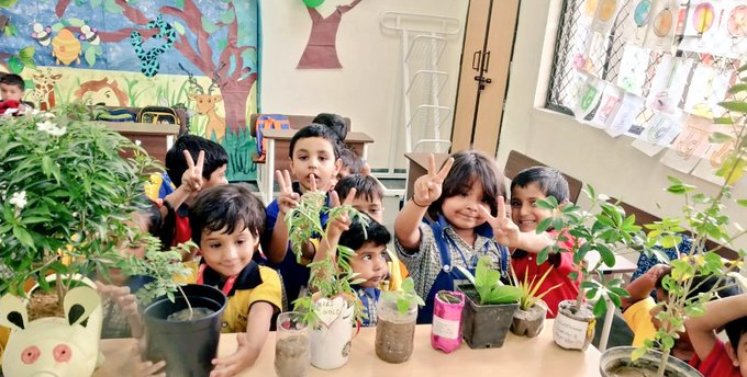 Students embracing Mother Nature at School of Excellence, Dwarka, Sector 22 | Picture Credit : Delhi Government School Pictures, 2019 (Twitter : @DelhiGovtSchool)