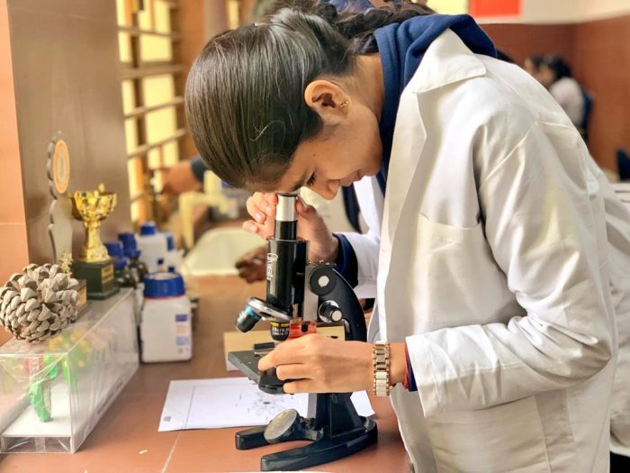Science Lab at School of Excellence, Khichdipur   Picture Credit : Delhi Government School Pictures, 2019 (Twitter : @DelhiGovtSchool)